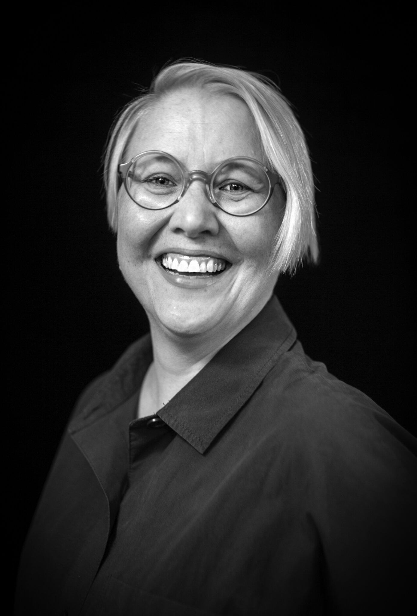 Black and white picture of Laura Pakarinen